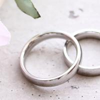 二つのプラチナの指輪
